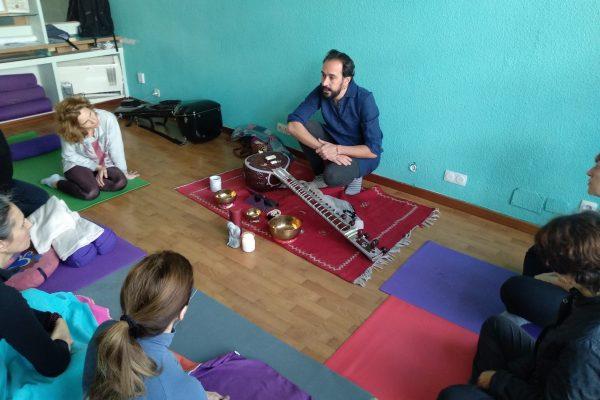 Taller Nada Yoga con Tato Saenz